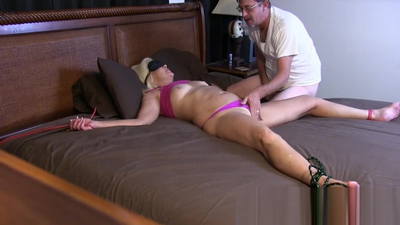 Blindfold Bondage and Play with Her Pussy