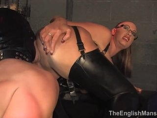 Busty English Mistress, Emma Butt Is Having A Great Time While Facesitting Her Sex Slave
