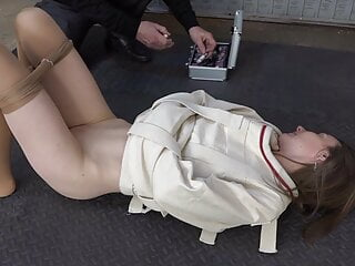 Make-up and fisting in the straitjacket