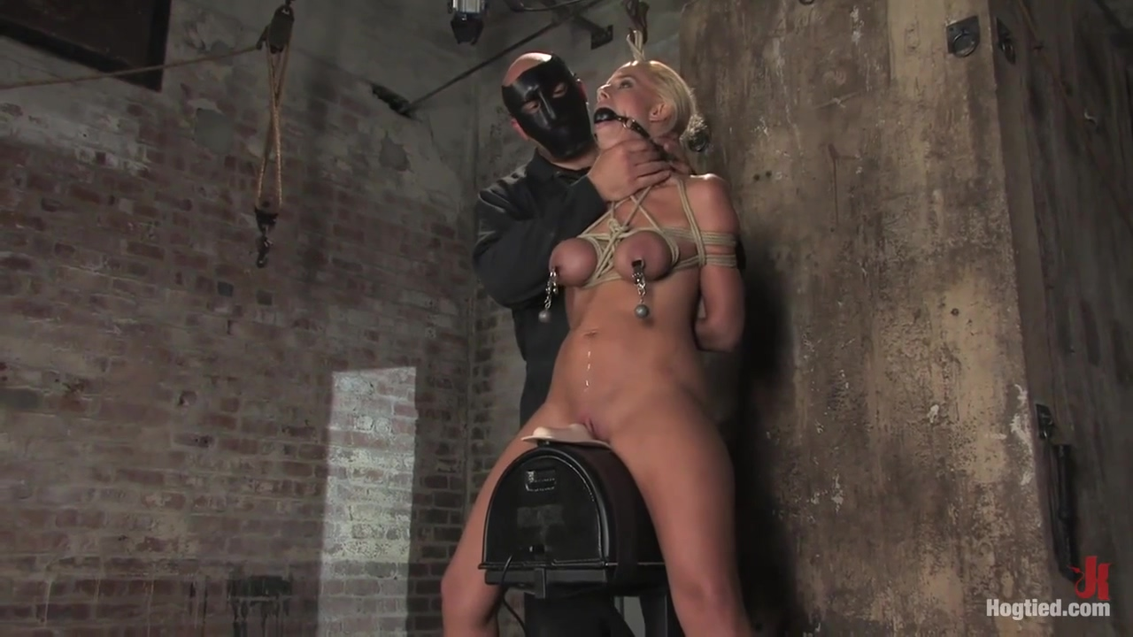 Voluptuous Blonde Sub With Bubbly Tits Enjoys Kinky Bdsm Action With Kylie Worthy