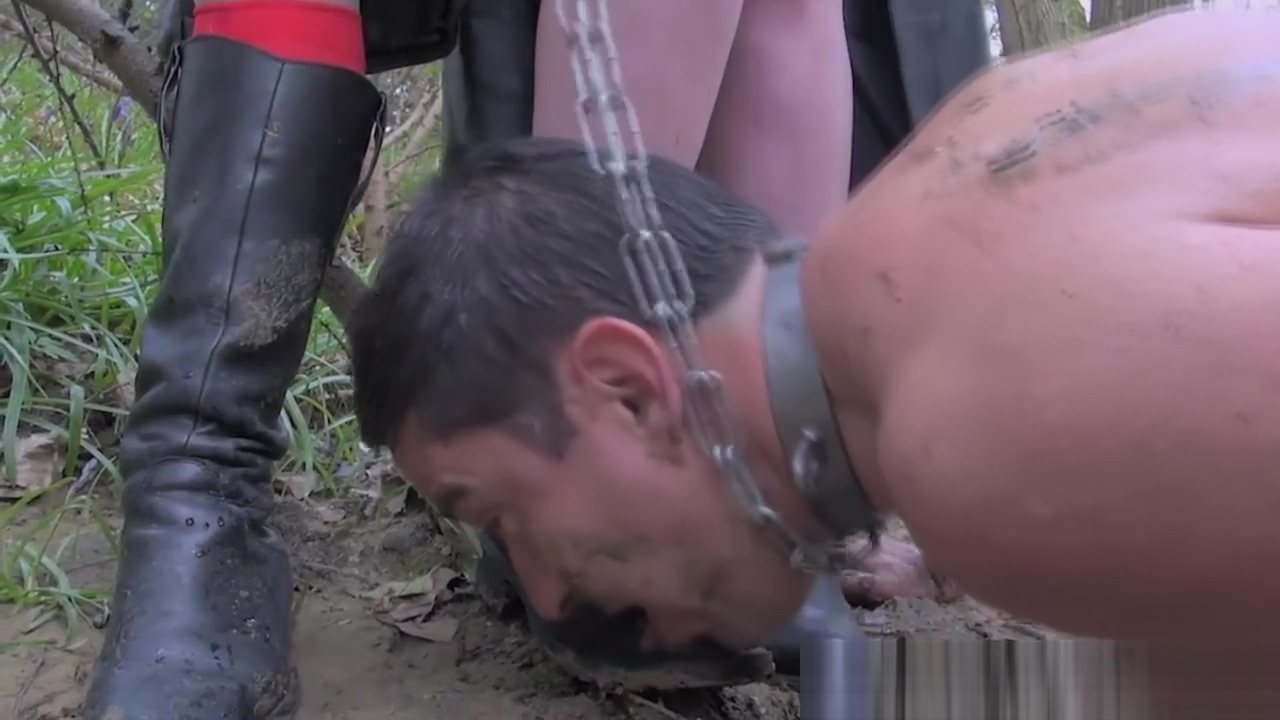 Bizarre femdom threeway with a pathetic slave